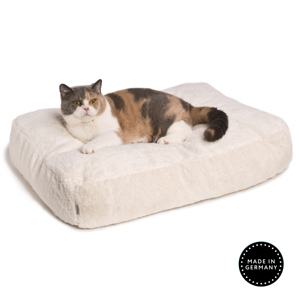 Picture of: Cat Beds For Big Cats Profeline